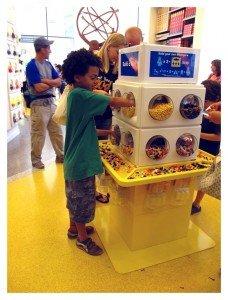 Rafa-au-Lego-Store-228x300